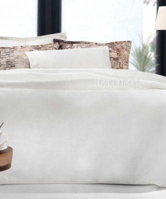 Βελουτέ Κουβέρτα Ultrasoft Υπέρδιπλη SMOOTH της Guy Laroche (220x240) OFF WHITE